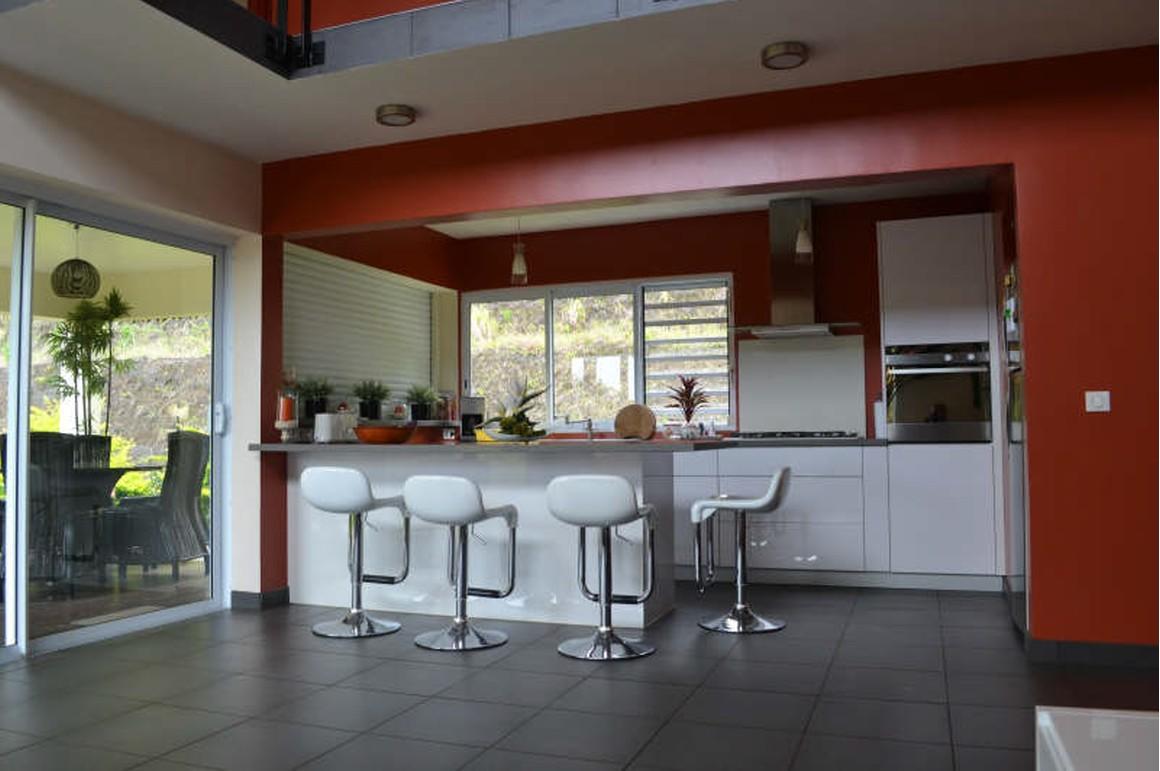 Pic vert av belle maison d 39 architecture petites annonces for Petites annonces architectes