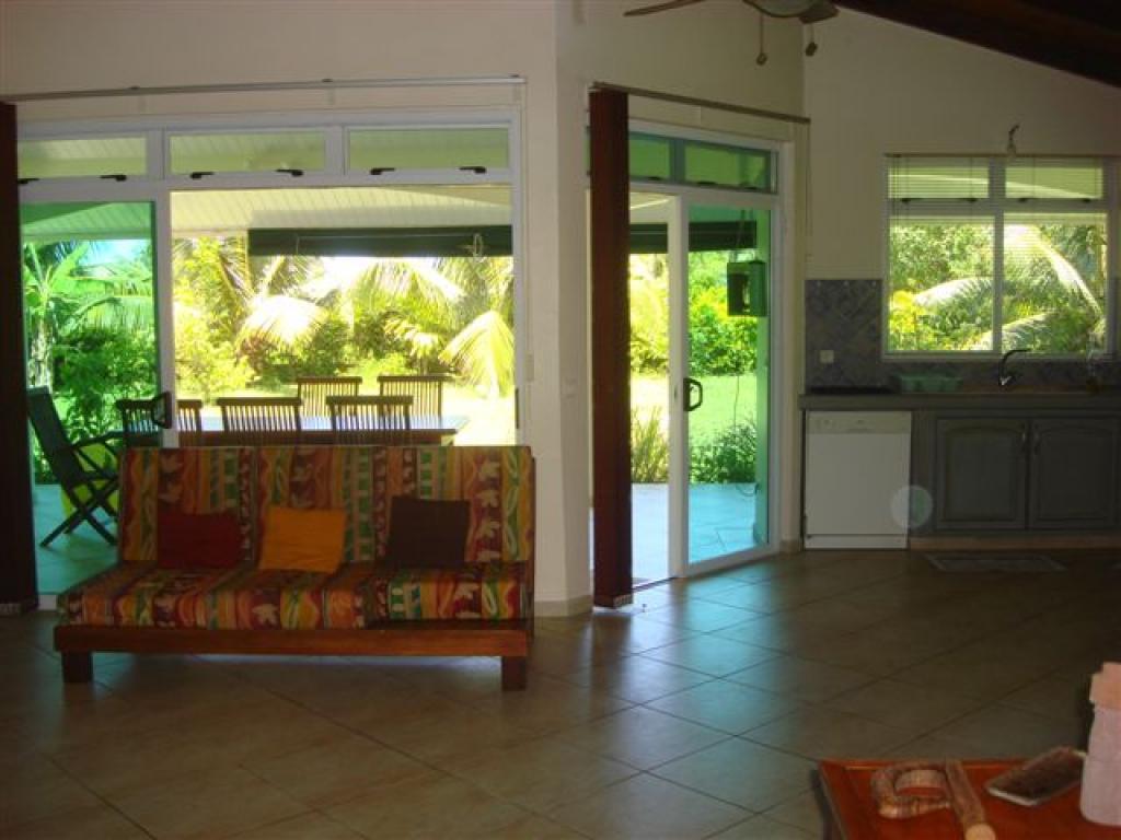 Maison a louer sur moorea petites annonces tahiti for Annonce de maison a louer
