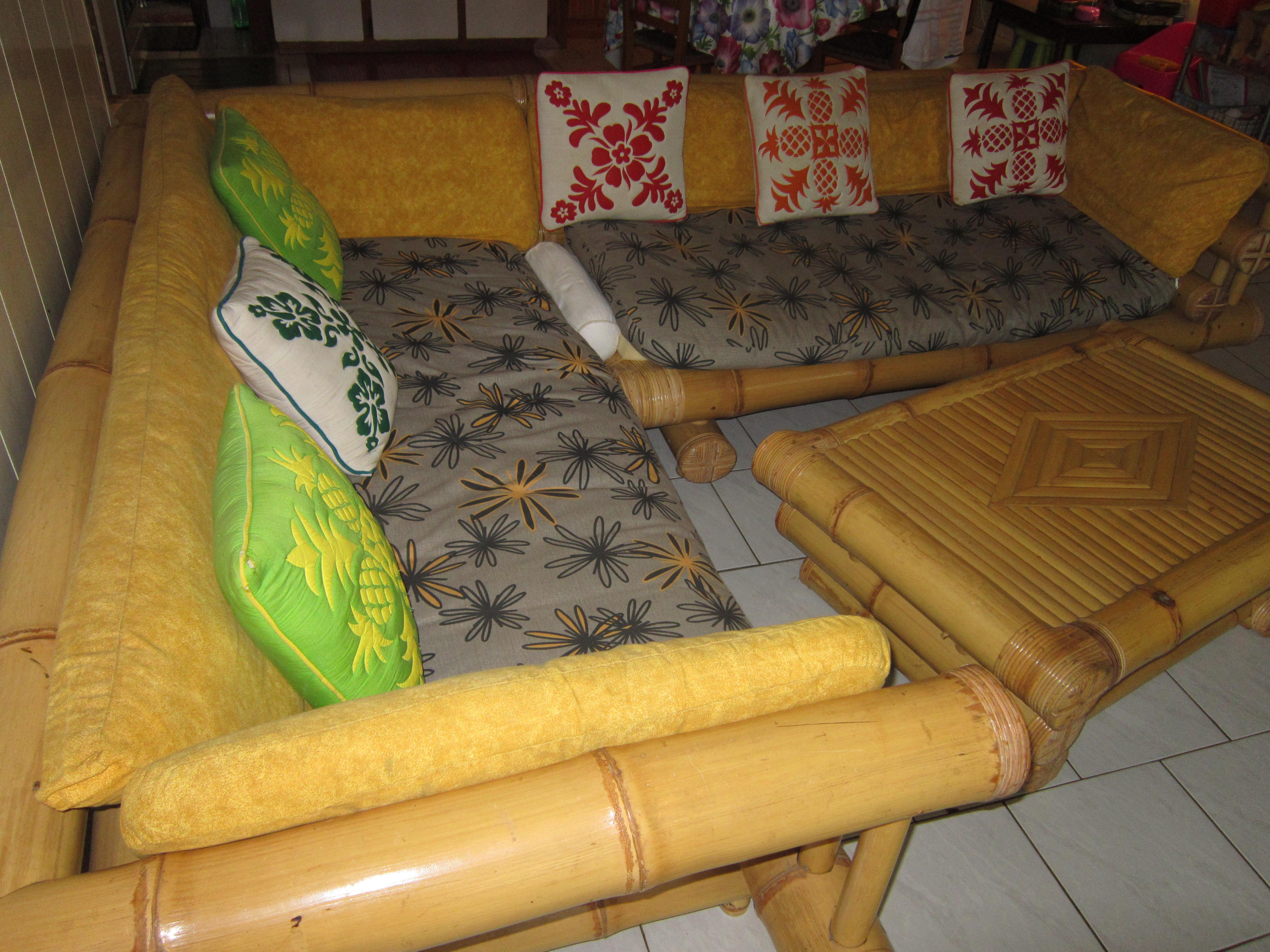a vendre canap d 39 angle en bambou housse petites. Black Bedroom Furniture Sets. Home Design Ideas