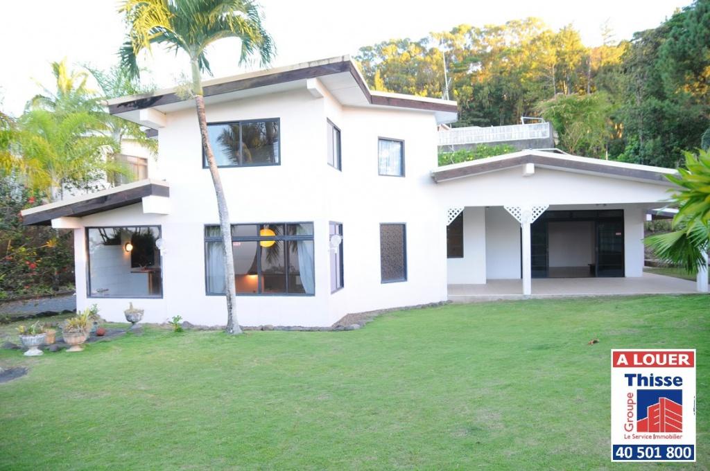 Mahinarama a louer maison t4 petites annonces tahiti for Annonces maison a louer