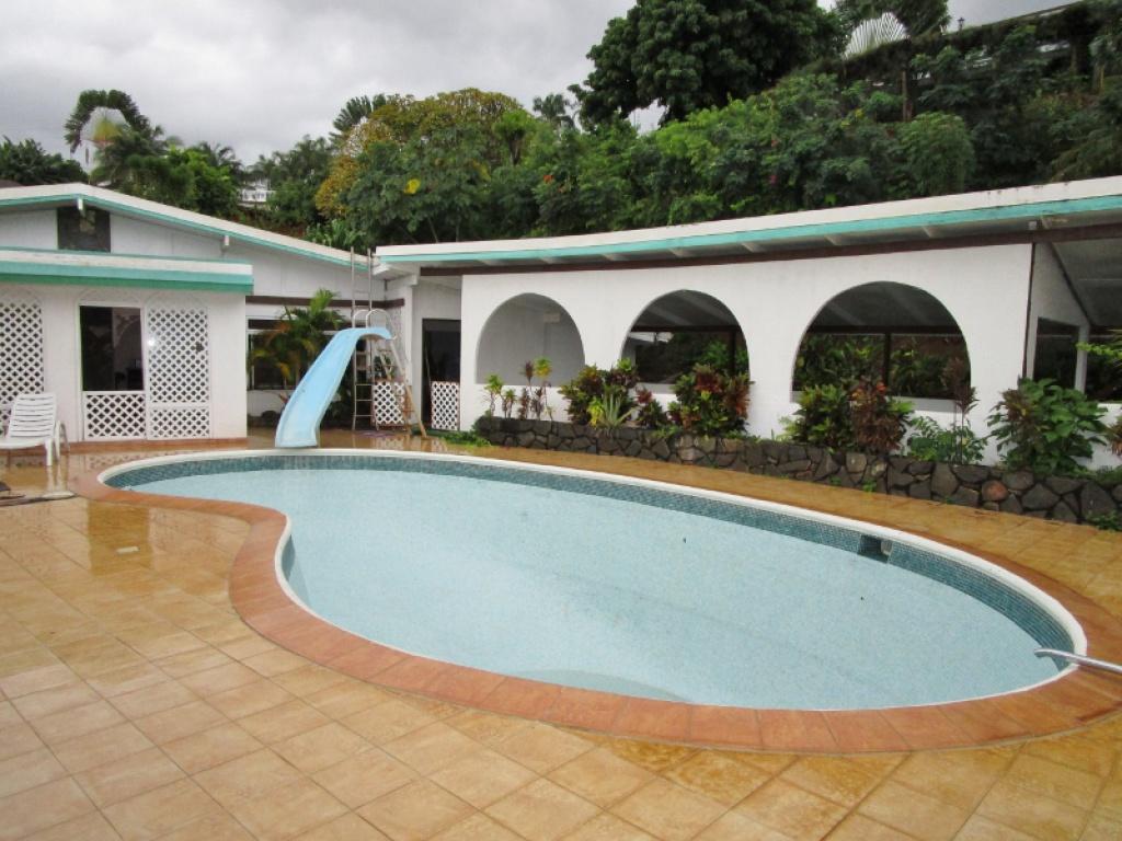 a louer maison de type f4 avec piscine petites annonces tahiti infos les informations de tahiti