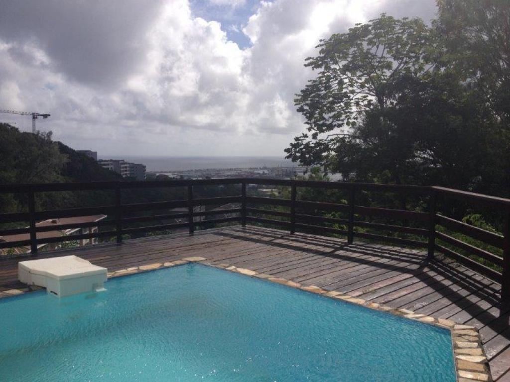 A Louer Maison 3ch 2sdb Avec Piscine Sur Papeete