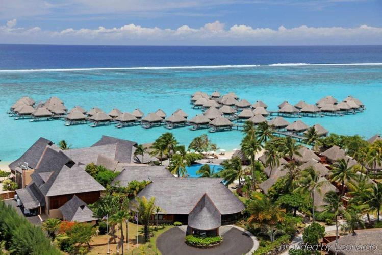 En avril, le gouvernement avait autorisé le rachat par le groupe chinois HNA Tourism Company Ltd de deux hôtels détenus par l'homme d'affaires Louis Wane. Photo : Hilton