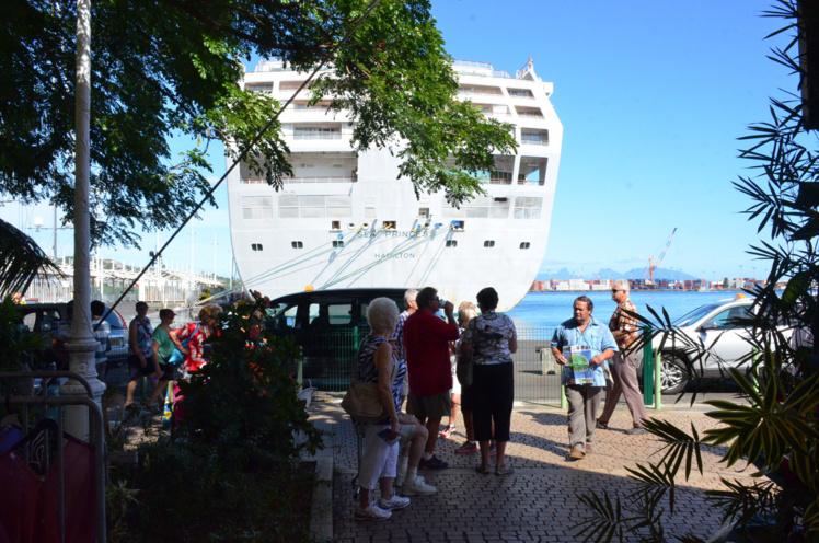 Quand les croisiéristes découvrent Tahiti