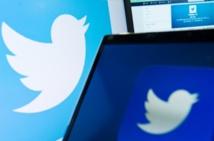 """© AFP/Archives / Par Laurence BENHAMOU   Ecoeurés par des flots d'insultes ou de menaces sur les réseaux sociaux, de plus en plus de stars et de journalistes ferment leurs comptes Twitter ou Instagram, accusés de devenir, par leur passivité, des """"facilitateurs de haine"""""""