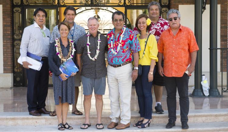 Accès facilité pour les surfeurs tahitiens aux compétitions à Hawaii