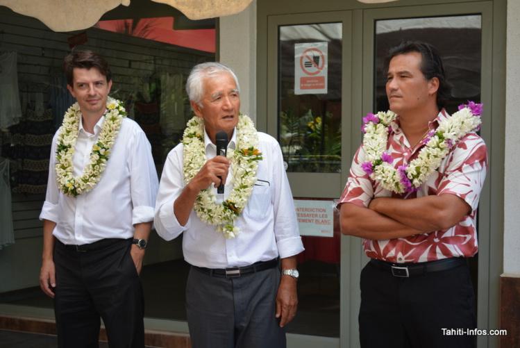 Thomas Lefebvre-Segard (DG), Albert Moux (président) et Patrick Moux (vice-président) de Vodafone Polynésie