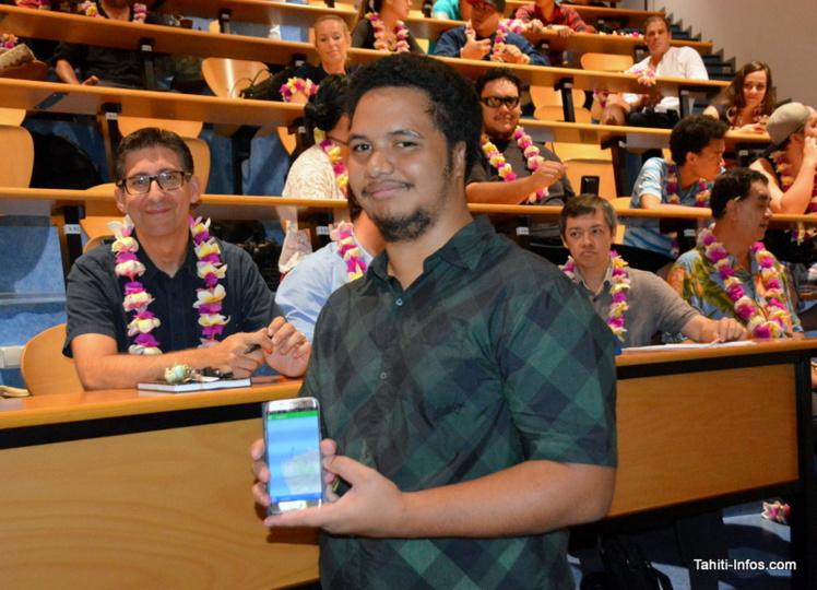 Wilfred Johnston a procédé au lancement official de l'application Apetahi ce lundi devant la presse, avec ses partenaires (son école Poly3D, la CCISM, Tahiti Fa'ahotu et la direction de l'Économie Numérique)