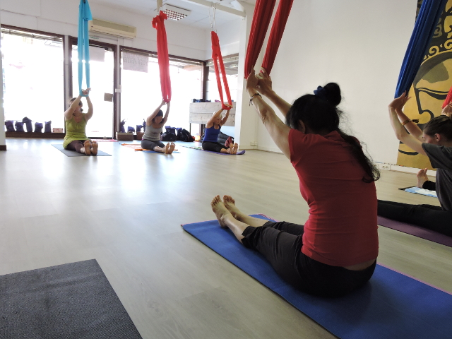 Le yoga aérien peut être pratiqué à tous âges.