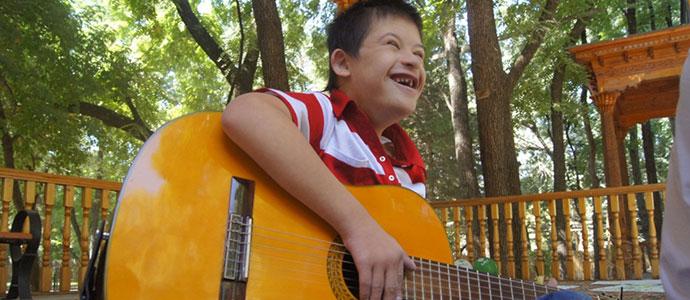 Au Kazakhstan, un café animé par des handicapés mentaux pour briser les stéréotypes