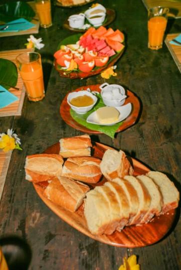 """Important, le petit déjeuner : tous les matins, la confiture et la brioche sont """"maison"""", le pain est frais et les fruits abondants."""