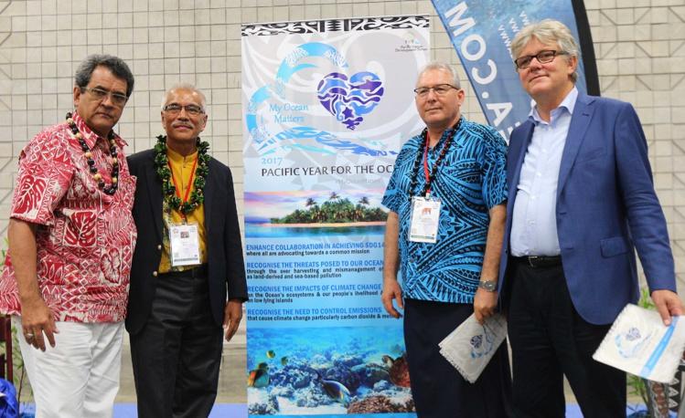 Lancement de l'Année du Pacifique pour les océans, avec de gauche à droite, le président Fritch, l'ancien président de Kiribati, Anote Tong, le secrétaire général du PIDF (Pacific Islands Development Forum), François Martel, et l'ambassadeur de Suède pour l'Environnement et les océans, Jan Olsson.