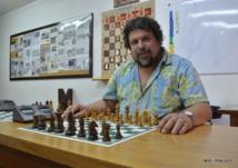 Jean-Pierre Cayrou est le président du club Papeete Olympique Echecs