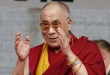 Le dalaï lama en France, sans temps mort ni contact en haut lieu
