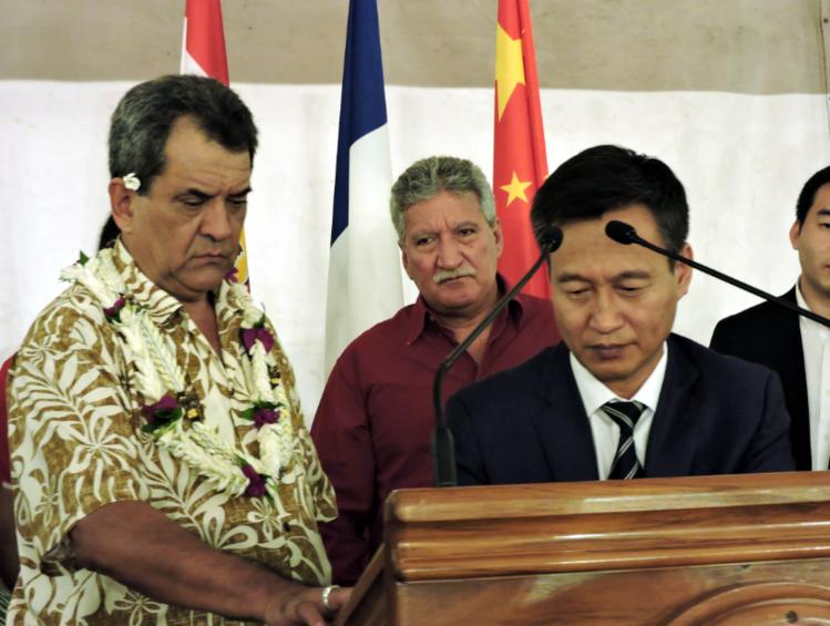 A l'occasion de la réception donnée à la présidence pour la fête nationale chinoise, samedi soir, le document a été paraphé par Zijian Wang et Edouard Fritch.