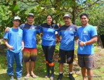 Herehia et son équipe : ils sont tous devenus experts dans la capture d'anguilles