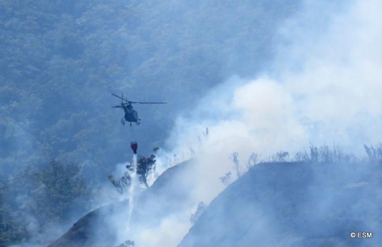 Un incendie s'est déclenché le vendredi 9 septembre au soir sur les hauteurs de Te Maru Ata, à Punaauia.