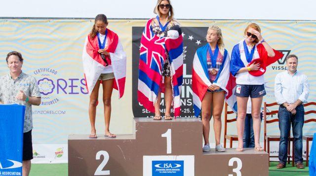 Belle médaille d'argent pour la surfeuse de Huahine
