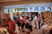Tahiti et Saint-Tropez : les voiles de l'amitié