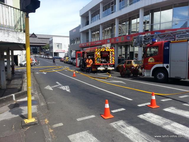 Le paté de maison a été fermé le temps de l'exercice, entre la gare maritime et la caserne des pompiers de Papeete.