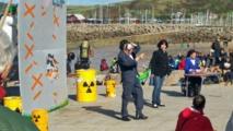 Nucléaire: plusieurs milliers de manifestants contre l'EPR à Flamanville