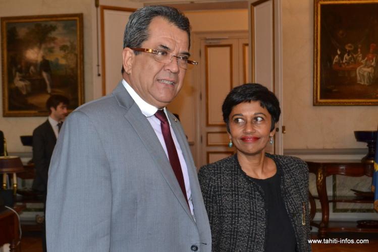 Edouard Fritch et la ministre de l'Outre-mer, Ericka Bareigts, jeudi 6 octobre à Paris.