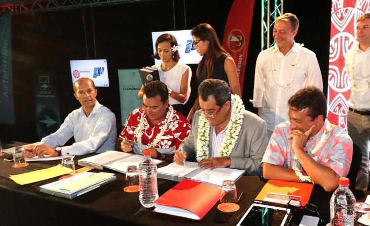 """Signature de la convention de prestations de services pour les prêts BPI """"hôtellerie et restauration"""""""