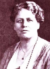 Katherine Routledge, à l'époque de ses travaux à l'île de Pâques. C'est à elle que l'on doit la localisation de l'authentique ahu Akivi.