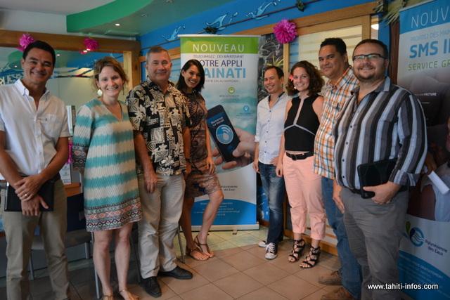 L'équipe de la Polynésienne des eaux a présenté sa nouvelle application mercredi à la presse, en présence d'un élu de Pirae accompagné par le Directeur général des services.