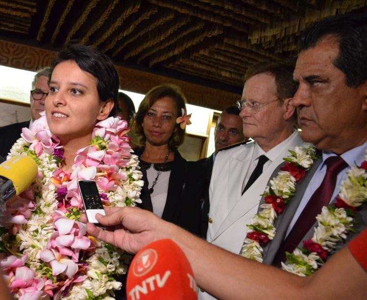 """""""Merci pour l'accueil. C'est émouvant"""", a déclaré la ministre de l'Education nationale à son arrivée"""
