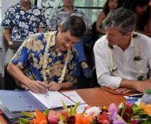 Vincent Fabre (à gauche) est le premier président du Club FACE en Polynésie. Grégoire de Chillaz (à droite) est à l'origine du projet.