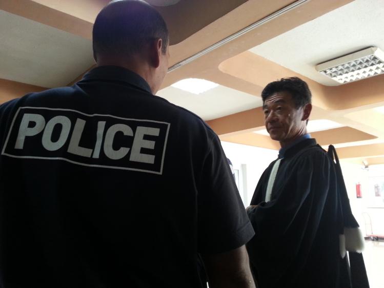 """Me Lau, l'avocat des 18 policiers qui se sont constitués partie civile : """"Il ne faut pas laissé passer ce genre d'agissements""""."""
