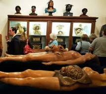 Un bar-musée pour amateurs d'anatomie et de macabre à Brooklyn