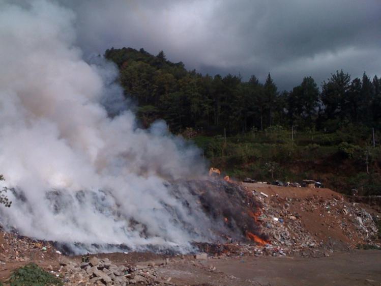 Incendie à la décharge de Faa'a