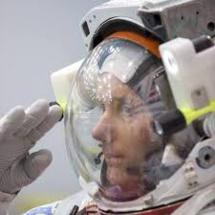 Visitez une station spatiale ISS en orbite...et en apesanteur (VIDEO 4K ultra HD)