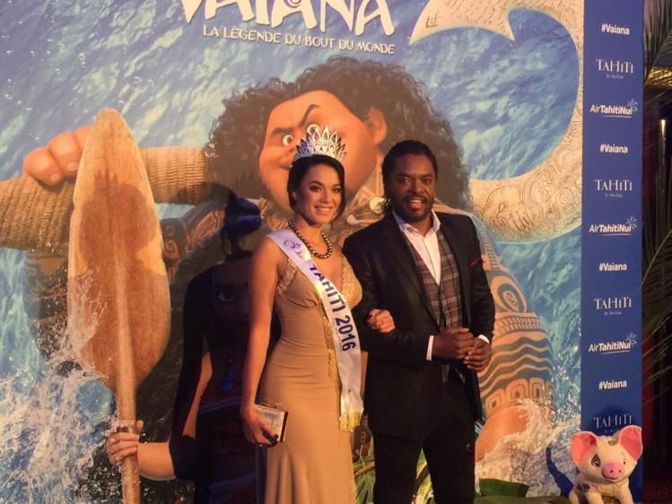 Miss Tahiti à l'avant première de Vaiana à Paris