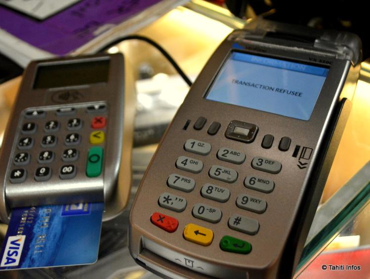La banque a prélevé des centaines de milliers de francs par erreur à des consommateurs. Certains se sont retrouvés dans le rouge et incapables de régler des achats ou retirer de l'argent…