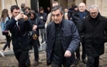 Primaire droite: Fillon largement en tête devant Juppé puis Sarkozy selon des résultats provisoires
