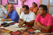 Tauhiti Nena, lundi matin en présence de Jérôme Poullet-Osier (comité de soutien à Bruno Le Maire) et de Gustave Taputu, président du Here Ai'a.