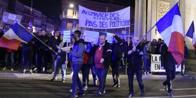 Manifestation d'une centaine de policiers en colère à Toulouse