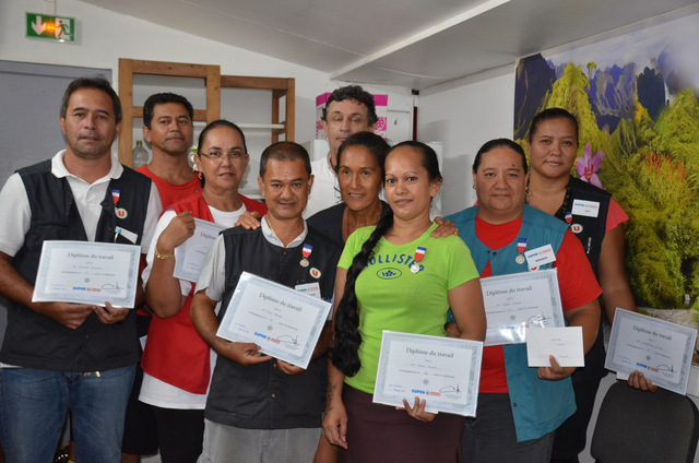 Le groupe Aline remet 15 médailles du travail à ses salariés