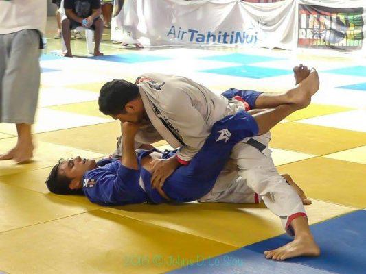 Teva pratique également le jiu jitsu