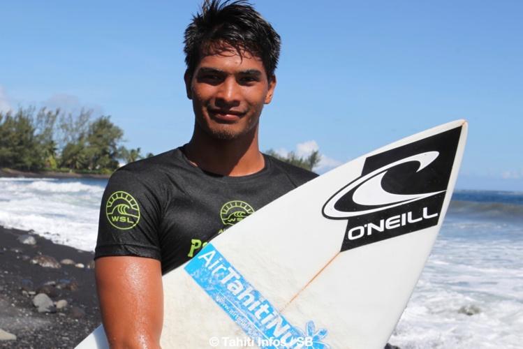 O'Neil Massin est un des meilleurs surfeurs tahitiens actuellement