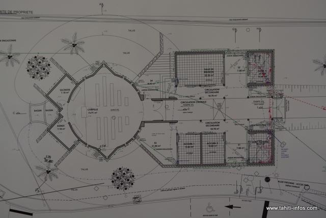 Le bâtiment sera implanté au milieu d'une sorte de cuvette végétalisée et minéralisée. Il pourra accueillir 55 personnes.