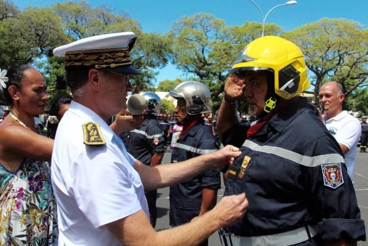 Les pompiers fêtent la Sainte-Barbe place Tarahoi