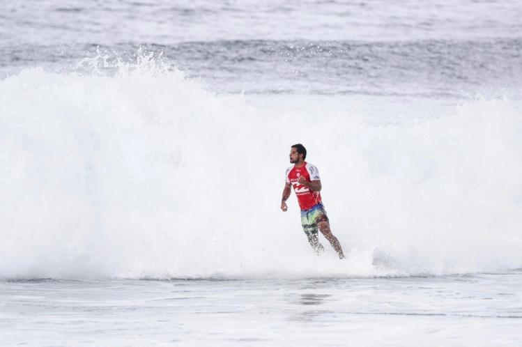 Surf Pro – Billabong Pipeline Masters : Michel Bourez continue ses exploits