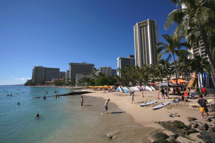 Difficile d'imaginer qu'il y a moins de deux cents ans, Waikiki n'était qu'une vaste tarodière. Il est vrai que l'on est ici à peu près à la latitude de Rurutu.