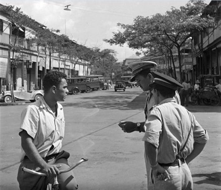 Mutoi rue du commerce à Papeete. Photo Whites aviation