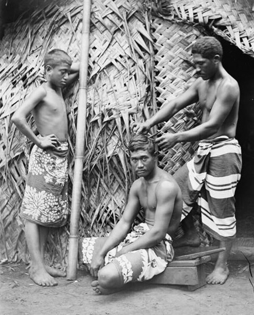 Perruquier à Tahiti en 1897, photo Henry Lemasson.