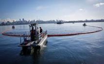 Marée noire de 300 tonnes de pétrole en Malaisie et à Singapour